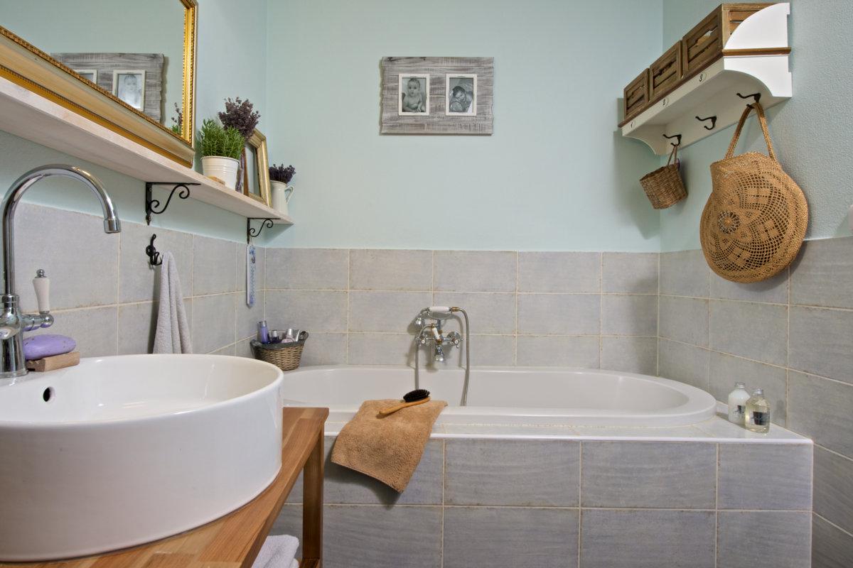 koupelna v provence stylu