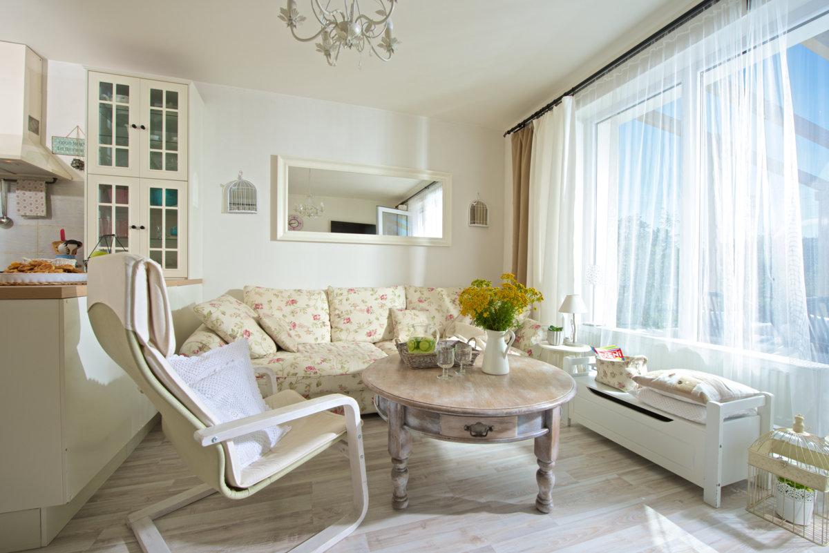 obývací prostor ve venkovském stylu